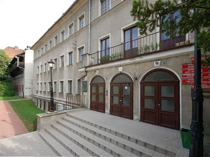 Uczelnie w Poznaniu i Łodzi na których możesz rozpocząć studia prawnicze