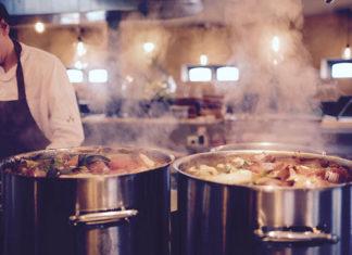 Wyposażenie restauracji – jaki sprzęt wybrać?