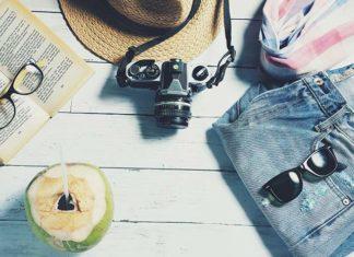 Buty na wakacje – co spakować do walizki? Praktyczny poradnik