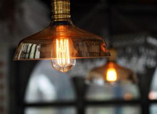 Jakie lampy będą najlepiej pasowały do salonu?