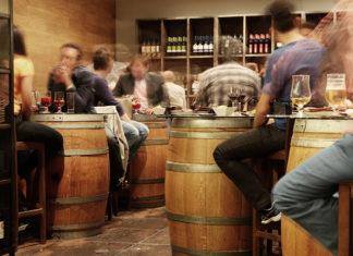 Jak zatrudnić dobrego barmana?