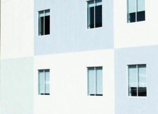 Cena okien drewnianych, a cena okna plastikowego, które wybrać?