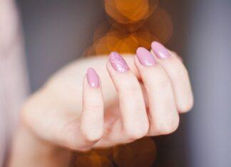 Jak się robi paznokcie hybrydowe