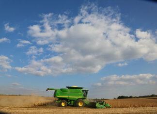 Maszyny rolnicze poleasingowe - gdzie kupić i na co zwrócić uwagę
